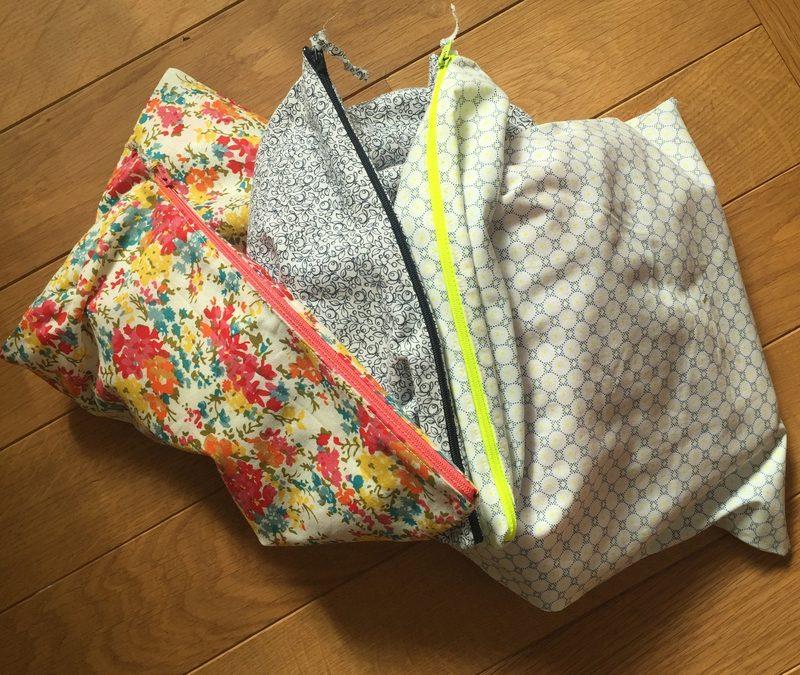 Les petits tricots de printemps et leurs jolies pochettes ♥